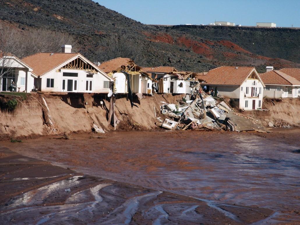 Image of 2005 Santa Clara, UT river flooding